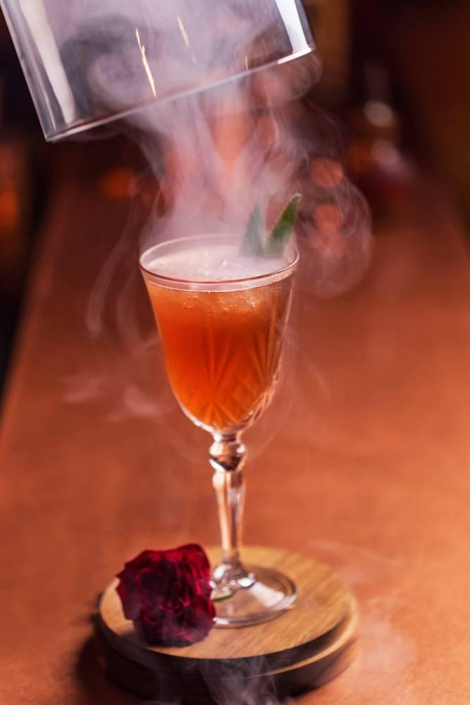 Cocktail des ANTILLES FRANÇAISES - Cocktail Smoke and Roses
